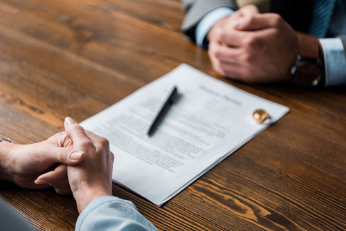 Image of divorce lawyer commencing divorce proceedings